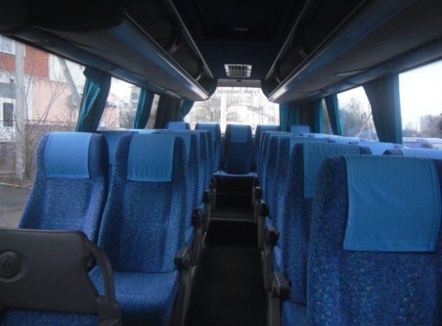 Туристичний транспорт у Львові - м'які  сидіння, кондиціонер, аудіо та відео, ТВ монітор, мікрофон.